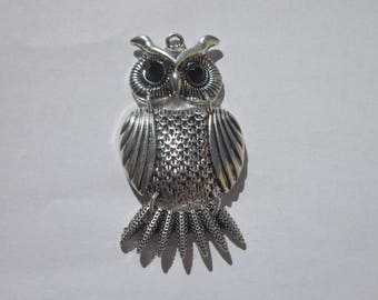 """jointed"" metal OWL charm (6082)."