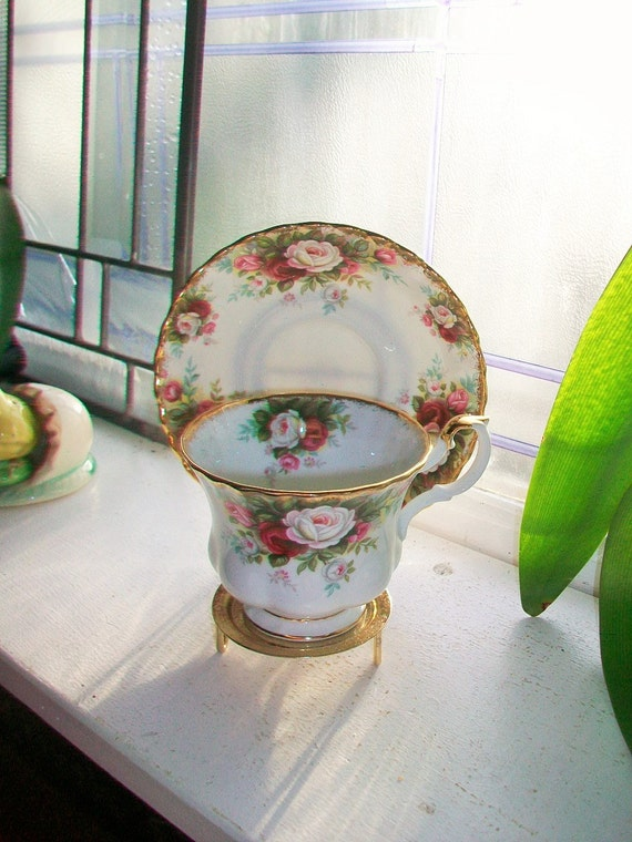 Royal Albert Celebration Tea Cup and Saucer Heavy Gold Gilt Red and White Flowers