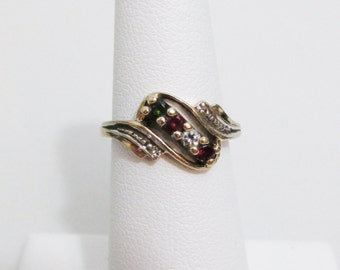 Vintage Ring: Ornate 10k Gold with Four Stones