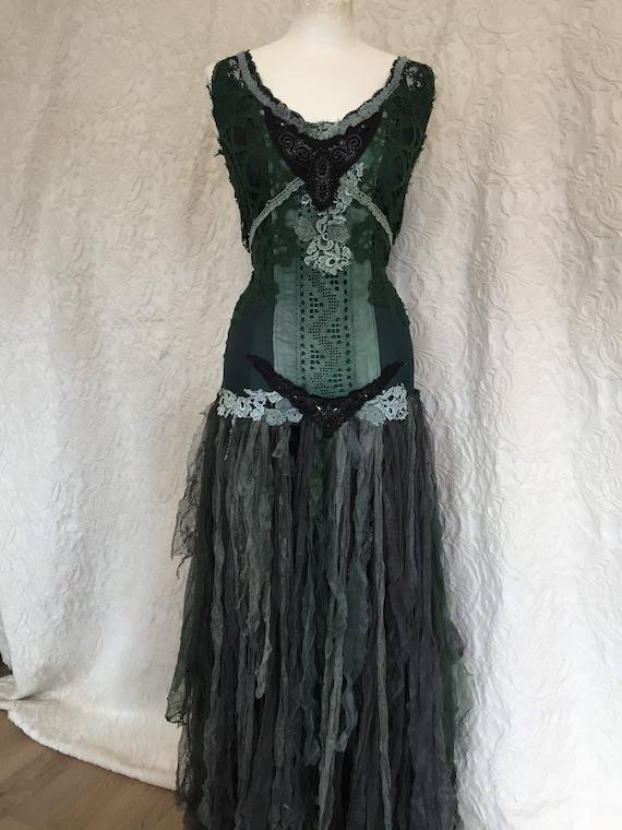 fairy gown dark dress and Boho dress statement colors dark tale queen green Victorian black Renaissance dress inspired hand wedding dark 0a0wxtq6