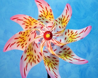 Spotted Lily Flower Pinwheel
