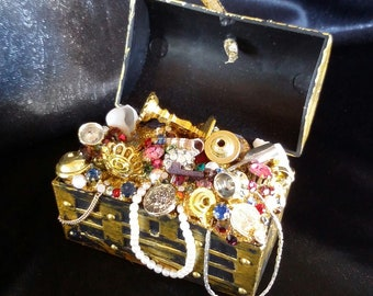 Pirate Treasure Chest Christmas Ornament