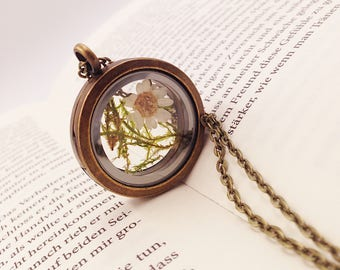 "medallion ""Daisy Garden"" bronze with genuine moss and flower"