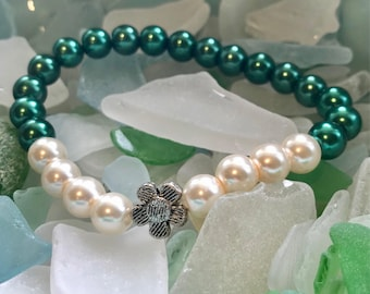 Deep Green and Pearl Flower Bracelet- Gifts for Her
