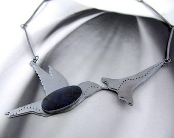Totem-Halskette / / der Kolibri / / Sterling-Silber und Spectrolite