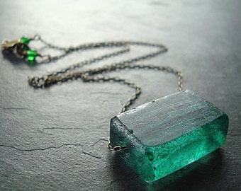 Emerald Forest Green Recycled Glass Antiqued Brass Necklace - Rainforest