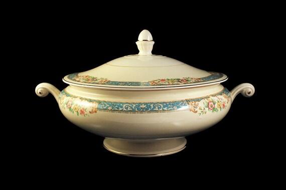 Covered Vegetable Bowl, Homer Laughlin, Blue Dawn, Eggshell Nautilus, Blue Border, Floral Pattern, Fine China
