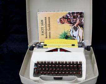 Working typewriter UNUSED MINT CONDITION Facit Privat Portable typewriter Manual typewriter Qwerty typewriter Swedish keyboard typewriter