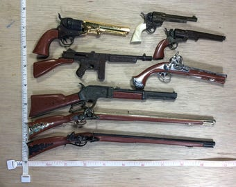 Vintage Lot Of Eight Miniature Toy Cap Guns Not Working Used