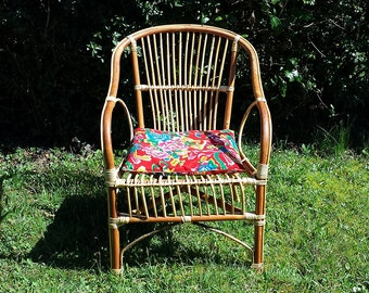 Beautiful bamboo Wicker rattan chair. From the 60s. Very good condition. french vintage Shabby Chic
