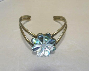 Southwestern Open Silver Cuff Bracelet Chevron Design With Inlaid Abalone Daisy