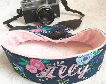 Personalized Camera Strap, Lens Cap Pocket, Padded, Travel Photographer, Nikon or Canon Camera, Photographer Gift - Navy Flowers with Pink