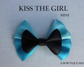 kiss the girl mini hair bow
