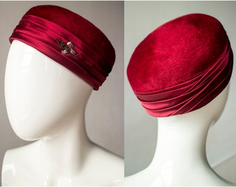 Vintage 1960s Lord & Taylor Junior B Maroon Wine Red Satin Pillbox Hat - Size 22