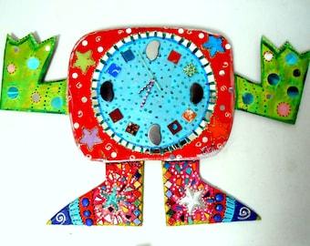 "Clock wall ""arms"" 77 X 45 cm painting and joyful mosaic"