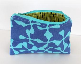 Blue Wavy/Green Retro Zipper Bag