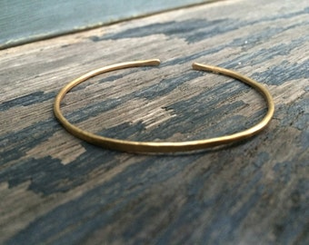 Hammered Brass Cuff - Gold Cuff - Neaptide