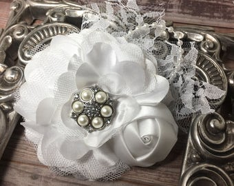 White flower hair clip, girls white hair flower, women's white hair flower, white hair accessory, white satin and lace hair flower