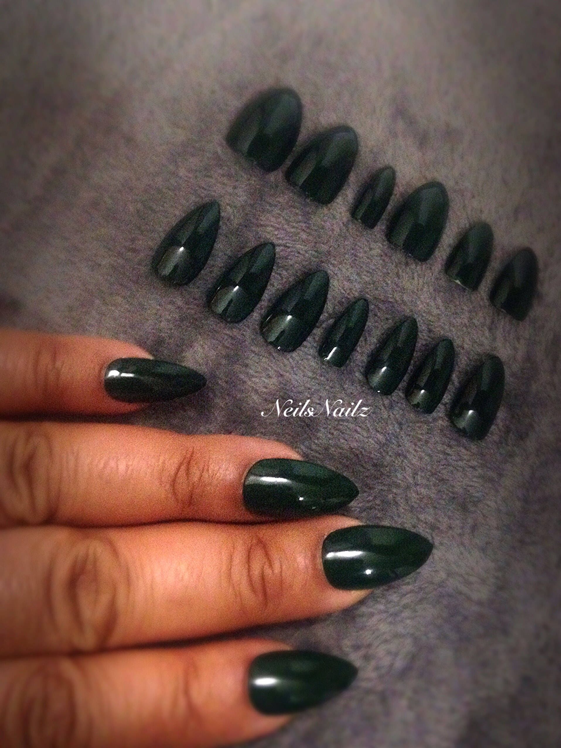 Dark green Stiletto nails, Forest Green press on false nails from ...