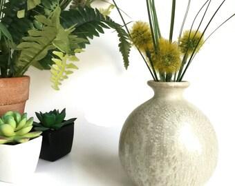Round Pottery Bud Vase, Pottery Vase, Round Vase, Hand Made Pottery Vase, Small Flower Vase, Modern Flower Vase, Ceramic Vase