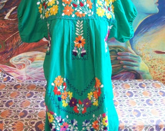 Mexican Dress, Embroidered Mexican, Green Mexican dress, Cinco de Mayo,  Frida Kahlo, size S