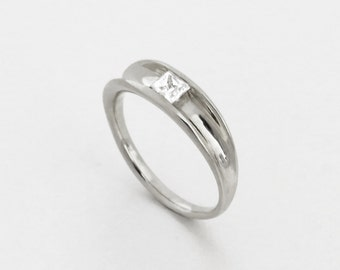 White Topaz engagement Ring - Princess engagement Ring, modern,minimalist, Unique engagement ring, Solitaire Ring, 14k solid gold topaz ring