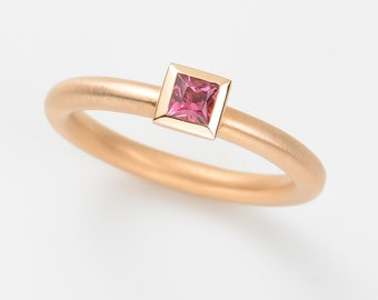 Ring TURMALIN pink, 18kt rose gold, engagement ring, wedding ring, gold ring, statement, stacking ring, solitaire, princess cut, valentines