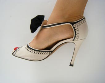 90s MOSCHINO BIG BOW Heels, Two Tone Mary Jane T-strap  peep Toe Brogues, size 8.5 or 38
