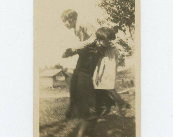 Kidnap: Vintage Snapshot Photo (712627)
