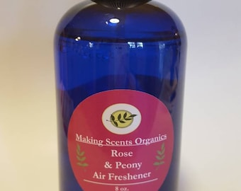 All natural air freshener room spray in lavender, citrus, apple cinnamon, and citrus peel & Pine.