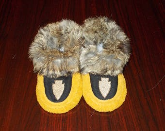 Child Size 11 New Handcrafted Suede Leather Moccasins with Fur Trim with Embroidered Arrowhead Design