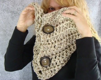 Crochet Button Cowl, Aran Fleck Button Cowl, Neutral Infinity Scarf, Crochet Neckwarmer, Oatmeal Cowl, Button Scarf