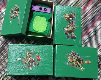 TMNT finger puppets- with storage box