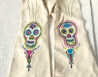Vintage gloves hand painted ivory cotton mid length size medium sugar skull/ free shipping US