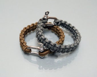 Paracord bracelet with a 4 mm shackle