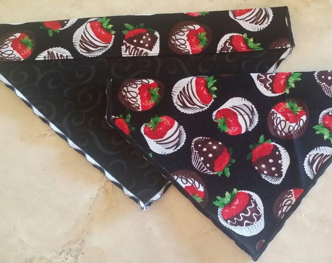 PET BANDANAS-Dog n' Cat-Chocolate Covered Strawberries
