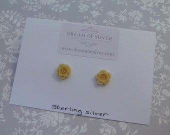 Blossom Stud Earrings - Yellow