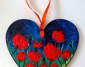 Painting poppies on heart wooden hanging - Sabrina RIGGIO