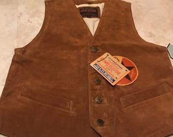Vtg. Deadstock bomb buggie sz M Brown suede leather vest