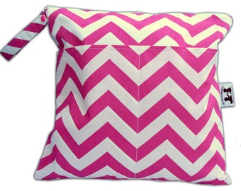 SALE / Large Wet + Dry Bag with Snap Handle in Candy Pink Chevron