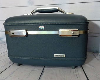 American Tourister Traincase, Vintage Blue Luggage, Small 1960s Suitcase, Vintage Overnight Case, Hardback Travel Case, Hobby Craft Case