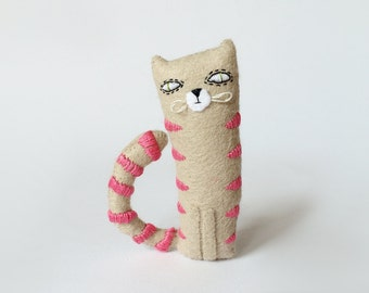 Lucky Cat, Felted Animals,Totem Cat, Beige And Pink Pocket Cat, Toy Cat Plushie, Stuffed Cat Softie