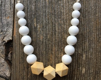 Heather Necklace in White