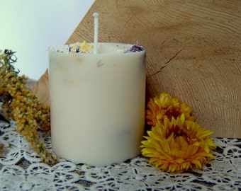 Patchouli candle. Rapeseed wax candle. Patchouli scented candle. Round pillar. Handmade candle. Vegan candle. Organic candle. Floral candle.