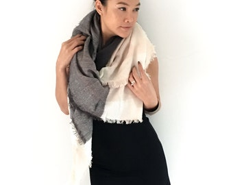 Onuma scarves- Gray beige   Winter  scarf