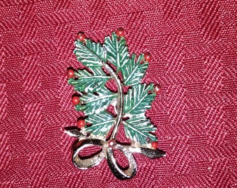 Vintage Gerry's Christmas Pine Tree with Bow Brooch