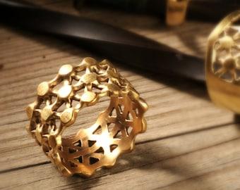 Gold wedding band Wedding ring Women delicate wedding ring