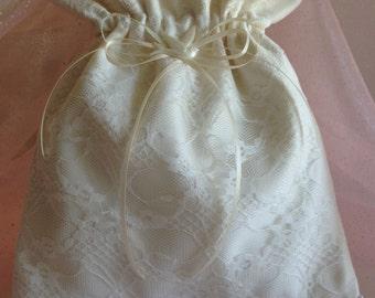 WEDDING, BRIDAL Ivory Chic Drawstring Bag, Heirloom/Keepsake Bag, MONeY Bag, Evening Bag, Wedding Accessory