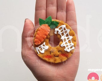 carotte cake donut broche avec glaçure, broche de feutre alimentaire