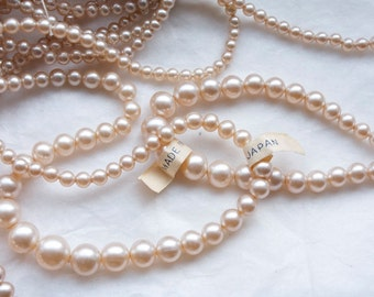 Vintage 1940s Glass Pearls / Made in Occupied Japan / 1 Strand 17 inches